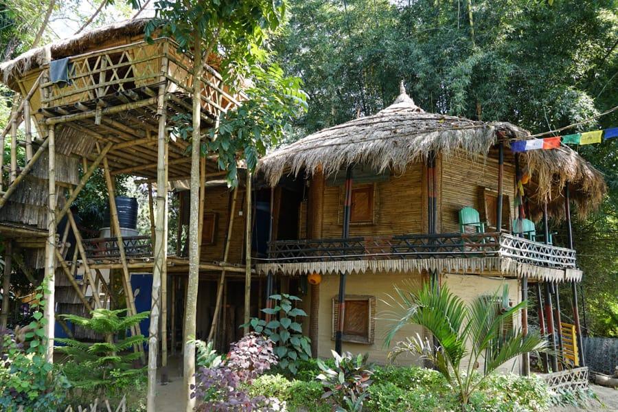 hotel chitwan national park